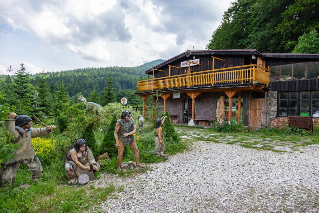 Siedziba Muzeum Ziemi w Kletnie